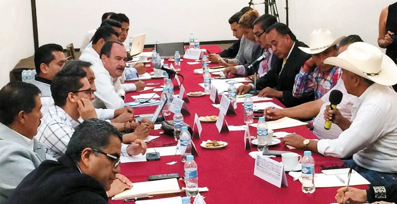 Glosa. Ante integrantes de la Comisión legislativa de Transporte, compareció el secretario de Movilidad, Jorge Messeguer.