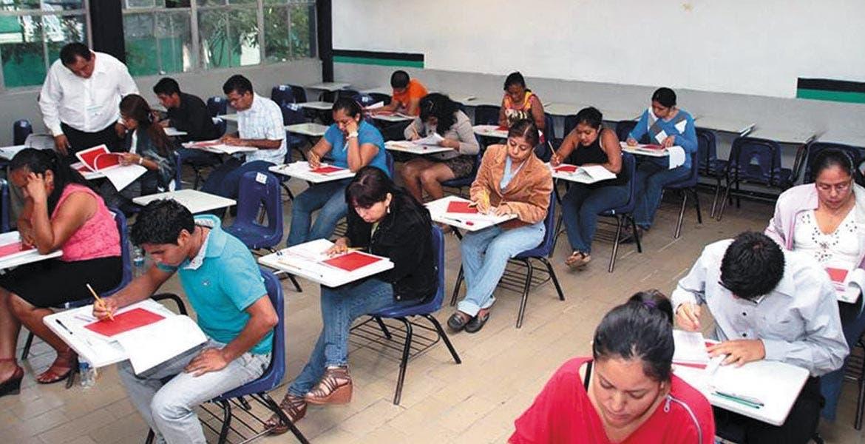 Sin incidentes. Más del 93 por ciento de los docentes registrados para participar en el examen de ingreso al servicio educativo fue el nivel de participación.
