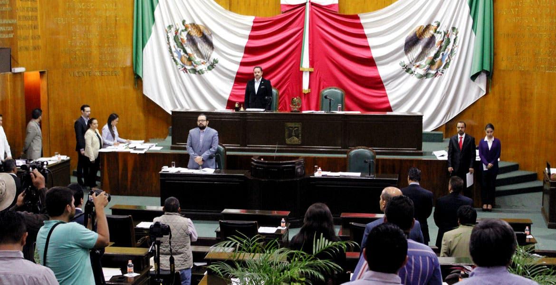 Postura. Diputados desconocen el amparo promovido por Joaquín Carpintero en contra de Francisco Velázquez Adán.