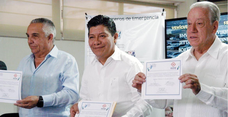 Evento. Mario Crosswell, Rafael Rueda Moncalián y Matías Quiroz fimaron el convenio de colaboración entre OCRA y el Consejo Ciudadano de Seguridad.