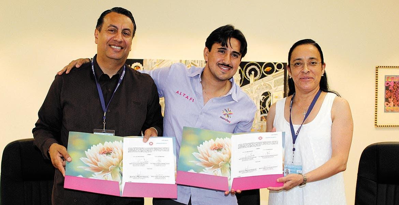 Leopoldo Reyes, Daniel Altafi y Nelly Martínez.