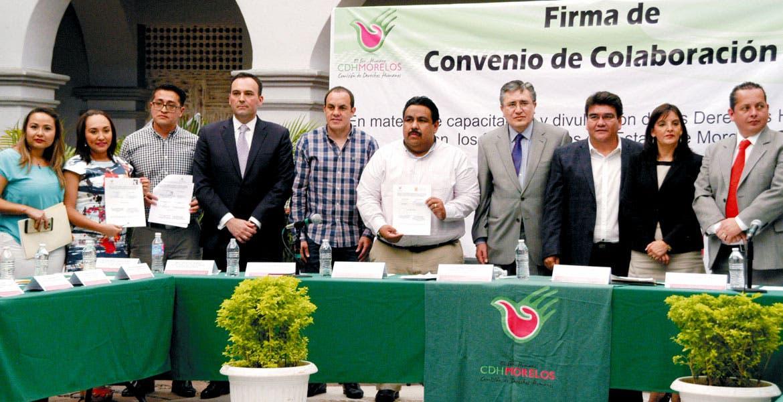 Acuerdo. Los ediles firmaron el convenio de colaboración con la CDHEM quien los capacitará en respeto a las garantías de la ciudadanía.