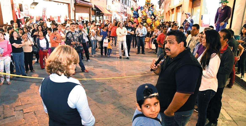 Listo. El alcalde y la presidenta del SMDIF, Brenda Anahí Carrillo, inauguraron el Corredor.