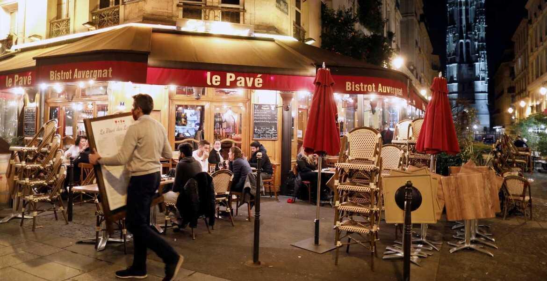 Toque de queda a 46 millones de personas en Francia por COVID-19