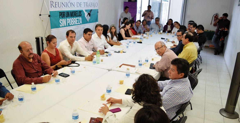 Equipo. Representantes de las dependencias prepararon las jornadas de la Cruzada Contra el Hambre para cuatro colonias de la capital de Morelos.