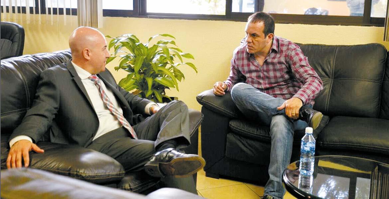 En la Fiscalía. El alcalde de Cuernavaca, Cuauhtémoc Blanco, presentó la denuncia de manera personal ante el fiscal general estatal, Javier Pérez Durón.