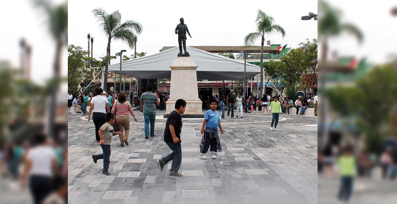 Después de más de un año y cinco meses, el zócalo vuelve a estar libre del comercio, ya que las labores de rehabilitación del mercado Cuautla iniciaron el 16 de junio del 2015.- Raúl Tadeo Nava, alcalde de Cuautla
