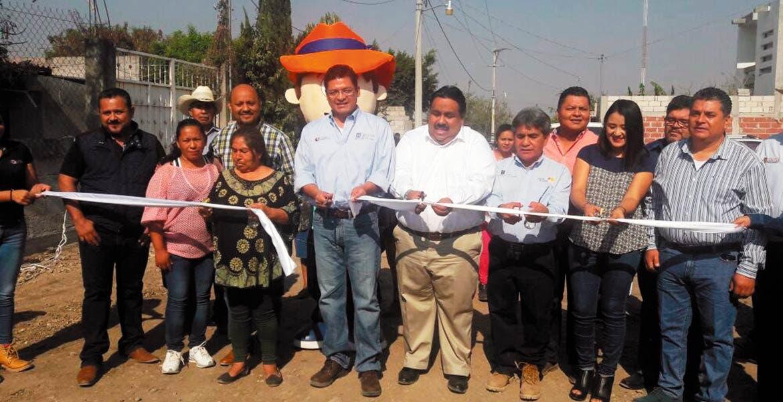 Presentación. Juan Carlos Valencia Vargas, titular de Ceagua, junto con el alcalde de Cuautla, Raúl Tadeo Nava.