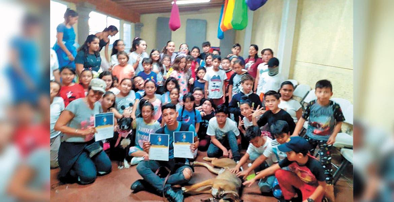 Concientizan a niños de Cuernavaca en cuidado y tenencia responsable de mascotas - Diario de Morelos