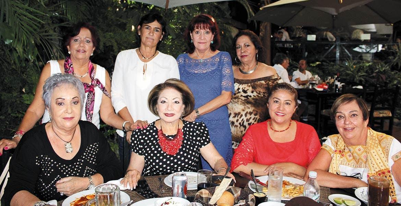 Susana Lavín, Cecilia González, Lulú Mesta, Alicia Mendoza, Menchu Lares, Elvia Magdaleno, Aurora Rosas y Patricia Lavín.