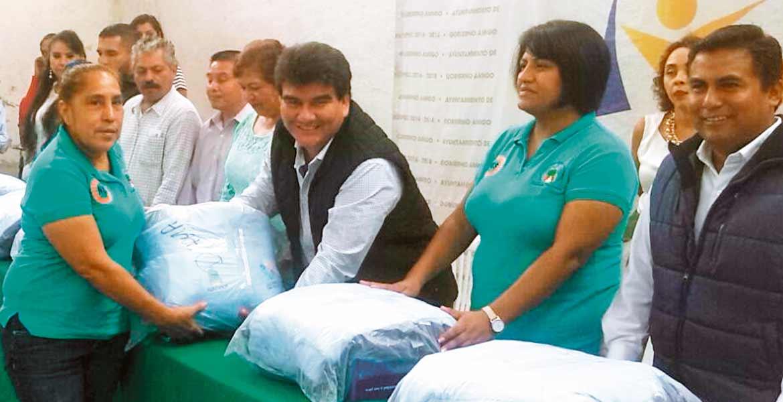 Dignifican labor. El alcalde de Jiutepec destacó que la prioridad de su gobierno es cumplirle a sus trabajadores operativos.