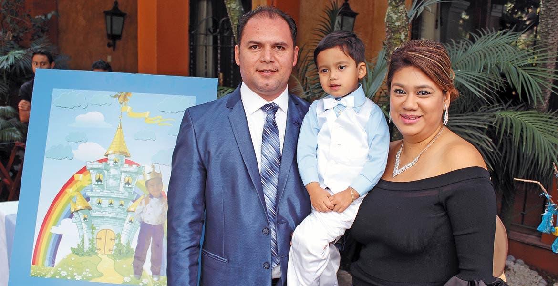 Luis Miguel Montes de Oca, Leonardo Milán y Consuelo Aurora Gama.