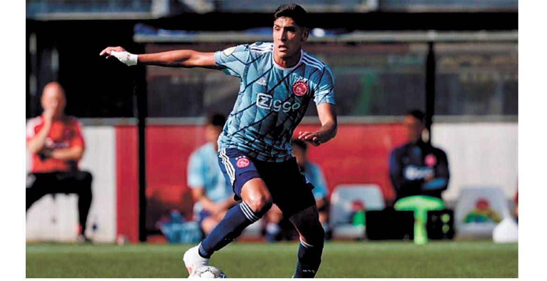 Edson Álvarez. El mexicano inició la temporada en Holanda como titular.