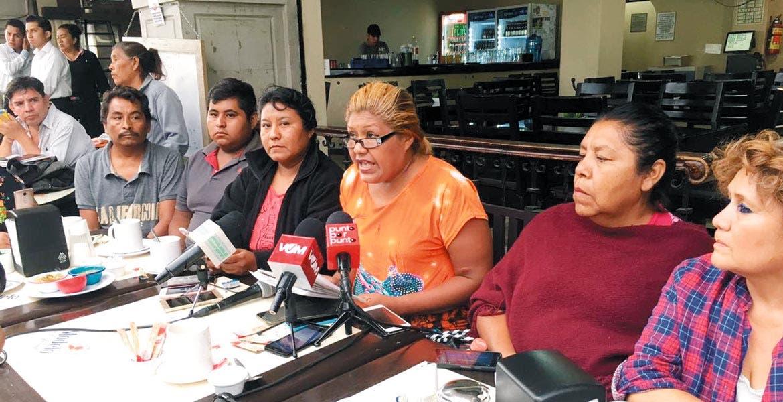 Un grupo de mujeres, comerciantes ambulantes, en el municipio de Emiliano Zapata, denunciaron al alcalde Fernando Aguilar Palma