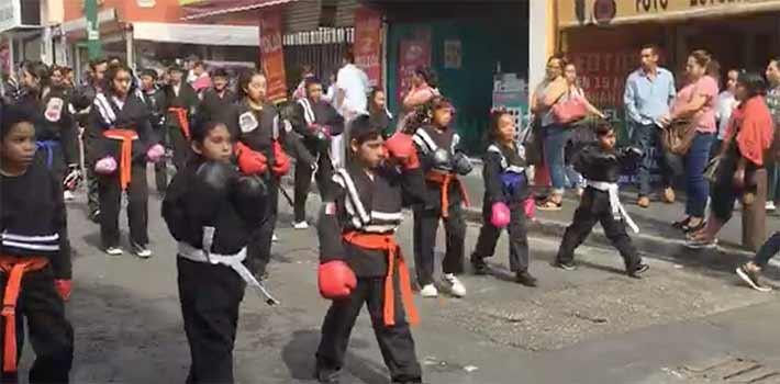 Desfile en Cuernavaca
