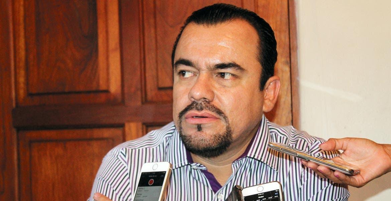 Julio Espín, diputado local.