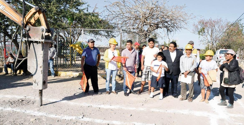 Momentáneo. El alcalde Raúl Tadeo Nava tuvo que pagar 40 millones de pesos para volver al cargo.