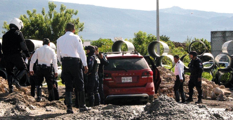 El vehículo. Ricardo fue detenido tras quedar la camioneta atascada entre lodo y piedra de las obras del Paso Express en la colonia Milpillas, minutos después de que se la robara.