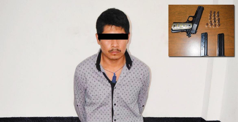 Empistolado. Azael fue detenido con una escuadra calibre .38 súper, a bordo de su camioneta en Yecapixtla.