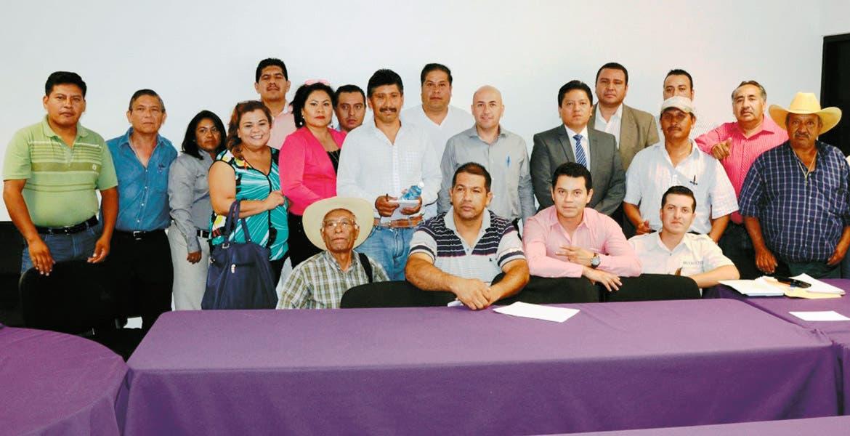 Diálogo. Javier Pérez Durón se reunió en la Fiscalía General del Estado con 11 grupos de la zona Oriente que le plantearon los problemas en materia de seguridad, para reforzar y asegurar la tranquilidad en la región.