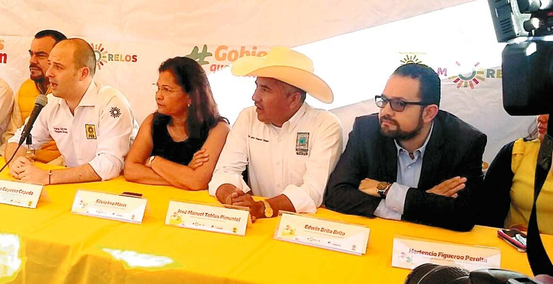 Adhesiones. Silvia Irra y José Manuel Tablas, en la imagen, además de Edwin Brito, se sumaron al Grupo Parlamentario del Sol Azteca.