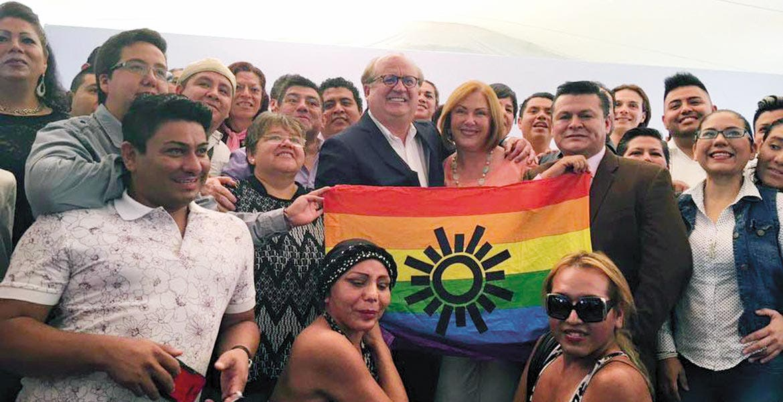 Batalla por los derechos. Dio Morelos otro paso fundamental en la construcción de una sociedad de derechos, señaló el Gobernador Graco Ramírez.