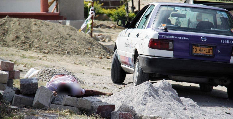 Atentado. Tres personas fueron asesinadas a balazos al ser emboscadas por varios sujetos armados, tras dejaruna cruz y flores en la tumba de un familiar en el panteón de Progreso.