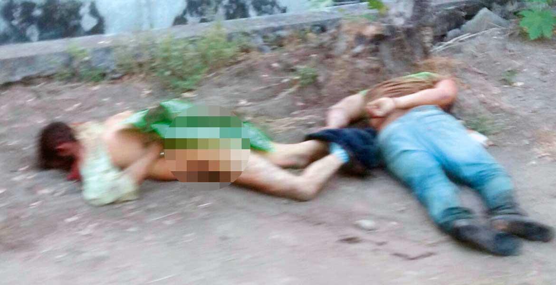 Diligencias. Dos sujetos fueron asesinados a balazos y abandonados con un mensaje, a orillas de la carretera Tetecala-Cuautlita, en Tetecala.