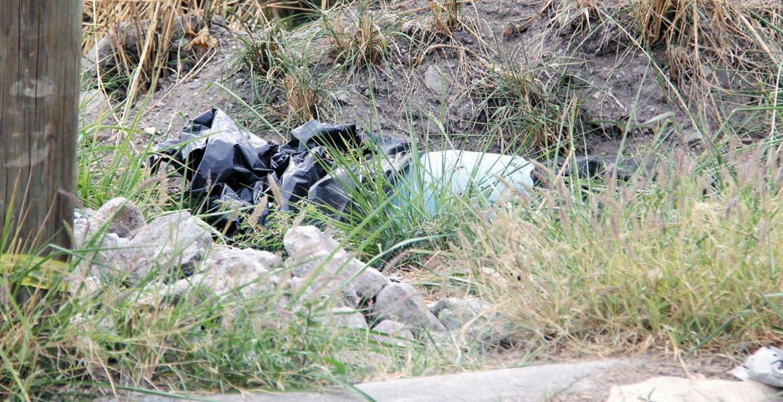 El crimen. Un hombre fue asesinado, embolsado y abandonado en un terreno baldío en el fraccionamiento Burgos, de Temixco.