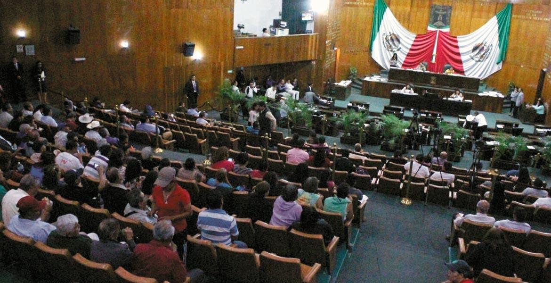 Pasan. Con ausencia de tres diputados, el Congreso aprobó el paquete de reformas político electorales para llegar con nuevas reglas a elecciones de 2018.