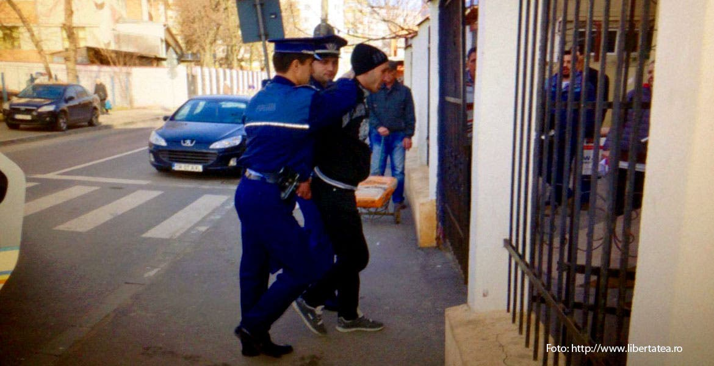 Hacker arrestado por fraude a cajeros autom ticos escap for Busqueda de cajeros