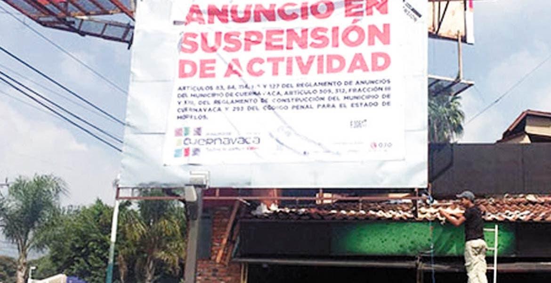 Operativos. En 2015, varios fueron los anuncios espectaculares suspendidos en la capital.