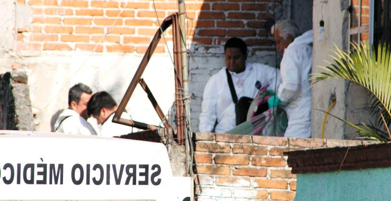 Diligencias. Una mujer fue ahorcada con un lazo por su ex pareja, luego de que acudiera a ver a sus hijos a la colonia Antonio Barona.