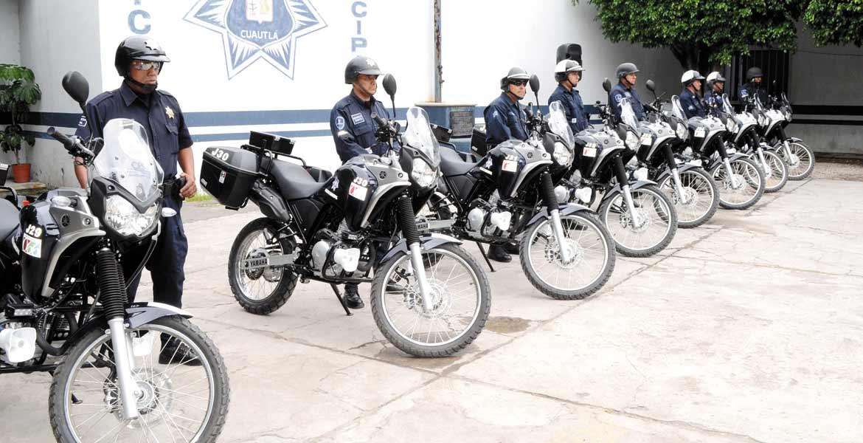 Equipo. El alcalde Raúl Tadeo nava entregó las motopatrullas que apoyarán las labores de vigilancia en la ciudad.