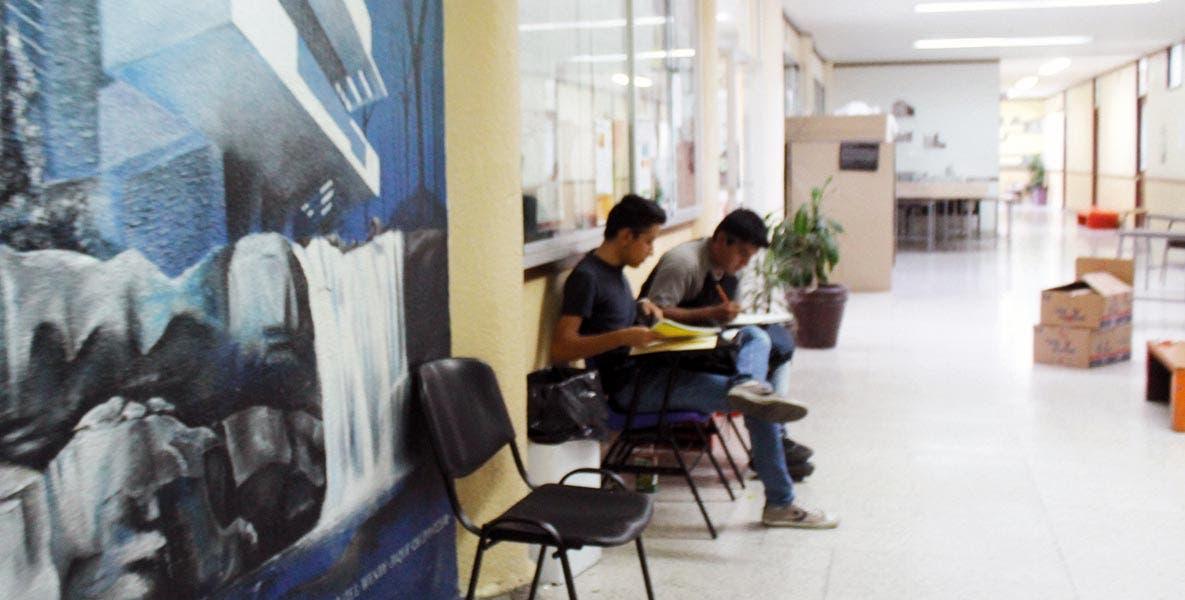 Capacidad. Cada año, se ofrecen 13 mil lugares en universidades públicas y 10 mil en universidades privadas.