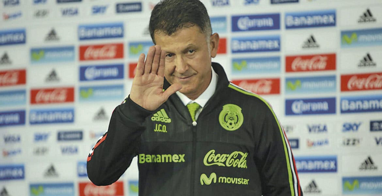 Captan a seleccionados bromeando sobre experimentos de Osorio