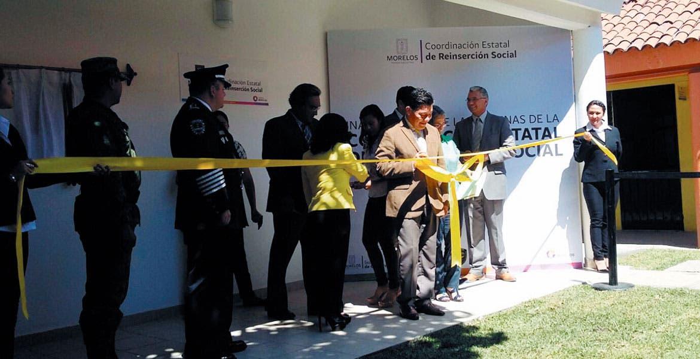 Evento. Matías Quiroz inauguró las nuevas oficinas de Reinserción Social en el penal de Atlacholoaya.