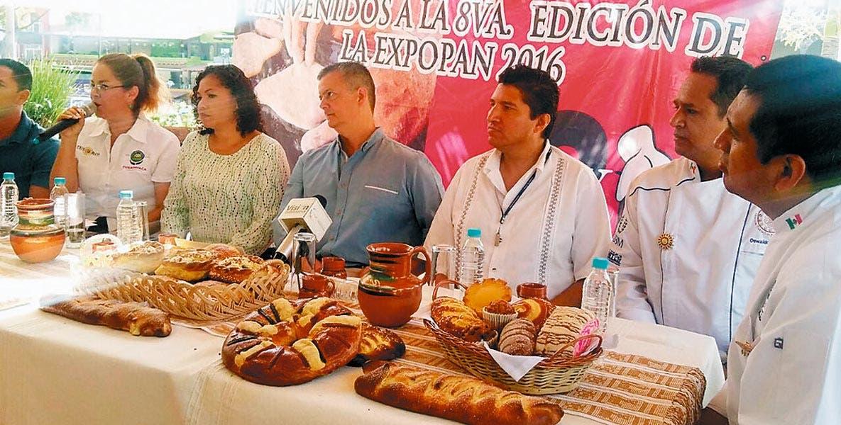 Anuncio. Autoridades municipales, estatales y productores anunciaron la octava edición de la Expo Pan en Cuernavaca.