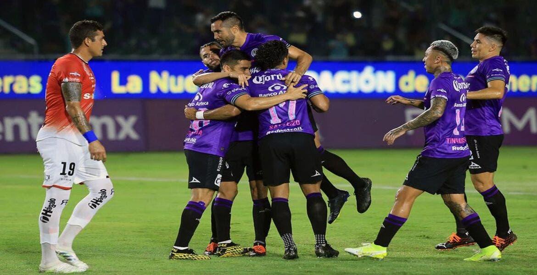 Aficionados del Mazatlán FC olvidan los protocolos de seguridad para evitar contagios de COVID-19