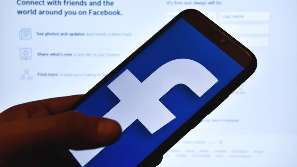 Empleados de Facebook se van a huelga virtual y usan Twitter