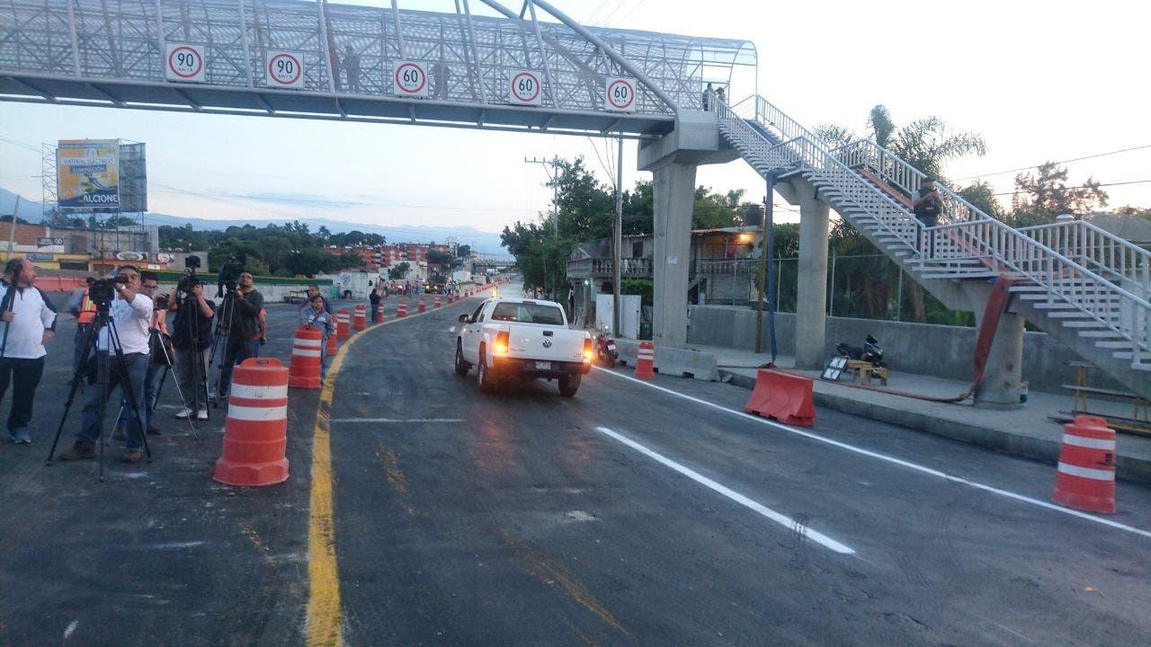 Abren a la circulación el Paso Exprés en sentido Acapulco-México