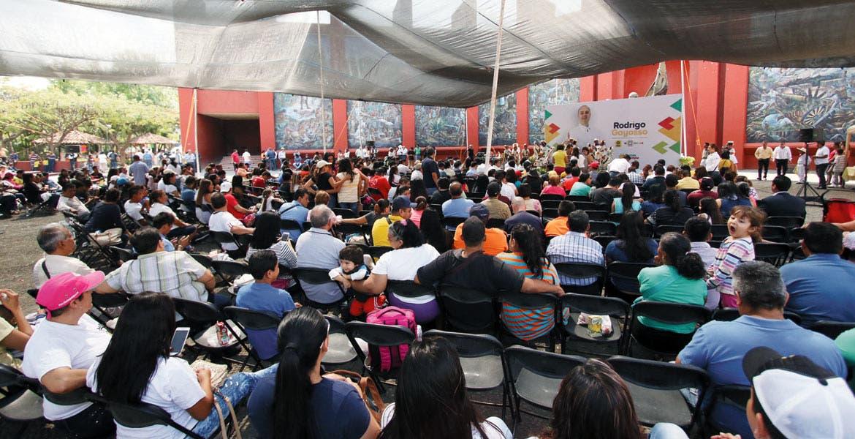 """Evento. La feria de servicios se desarrolló en el parque """"Luis Donaldo Colosio"""", y fue organizada por miembros del PRD."""