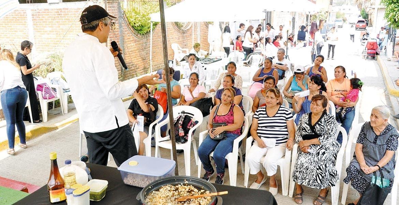 Prevención. Autoridades municipales recorren colonias para concientizar y hacer frente a los casos de violencia contra las mujeres