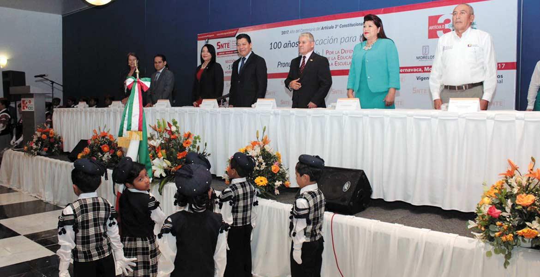 Conmemoran. Autoridades estatales, del TSJ y de la sección 19 del SNTE celebraron el centenario del Artículo Tercero Constitucional.