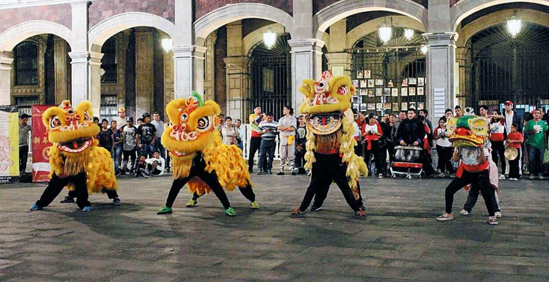Cierre del festejo. La 'Danza del dragón' cierra la celebración por el Año Nuevo Chino, que en 2017 celebra al 'Gallo de fuego'.