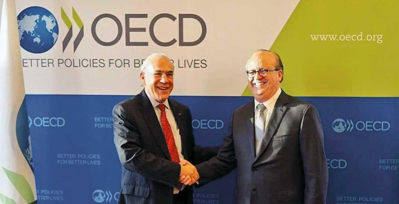 Participación. Durante su gira por Europa, Graco Ramírez se reunió con el secretario general de la OCDE, José Ángel Gurría.