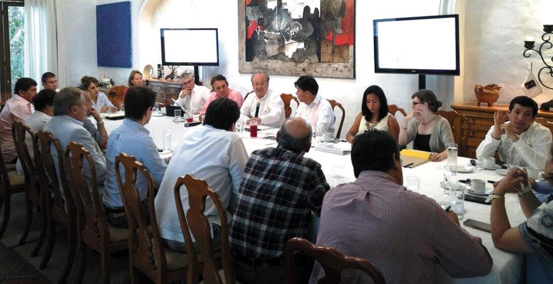 Evento. El Gobernador Graco Ramírez encabezó la reunión con autoridades del INEEA, Sedesol y alcaldes.