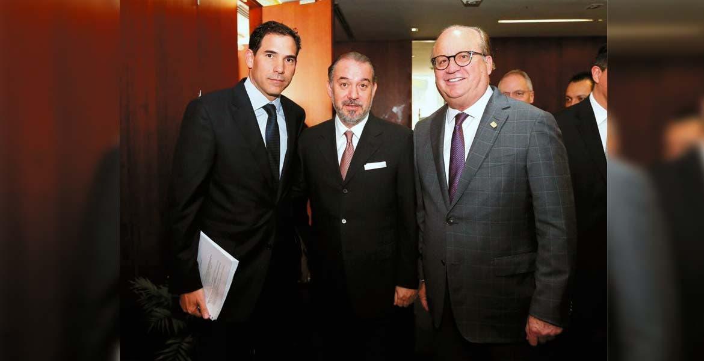 Diagnóstico. El Gobernador Graco Ramírez se reunió en el Senado con el procurador general de la república, Raúl Cervantes y el presidente de la Junta de Coordinación Política, Pablo Escudero Morales, para entregar nuevo modelo de Justicia Penal.