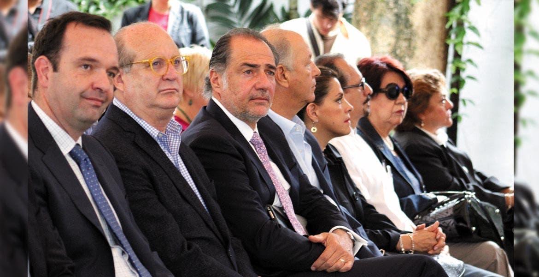 Presentación. El Gobernador Graco Ramírez con empresarios durante la presentación del proyecto.
