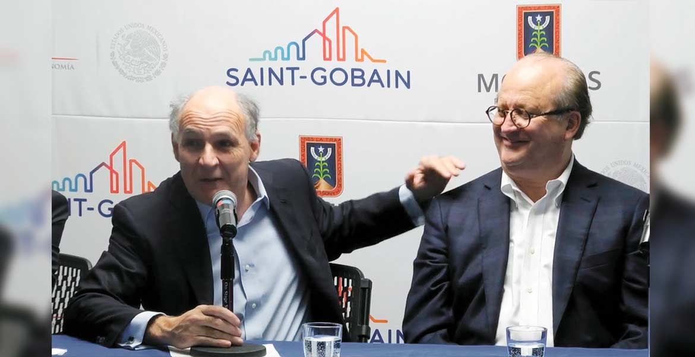 Conferencia. Pierre-André de Chalendar, presidente Saint-Gobain, reconoce al Gobernador Graco Ramírez la construcción del gasoducto.